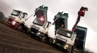 Tippers and Grab Tipping at Woodington Farm